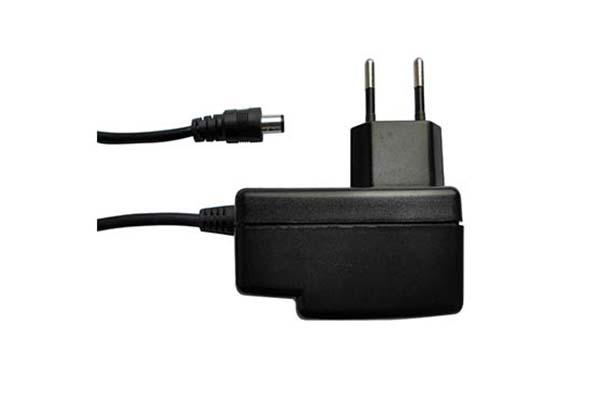 Fuente de alimentación de 5V y 2A compatible con teléfonos IP de Yealink